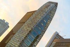 Torn för funktionslägeGakuen kokong i Shinjuku, Tokyo, Japan Arkivfoto