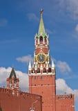 torn för fyrkant för spasskaya för kremlin moscow natt rött Arkivfoton