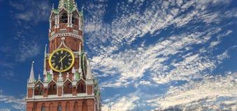 torn för fyrkant för spasskaya för kremlin moscow natt rött kremlin moscow russia arkivfoton