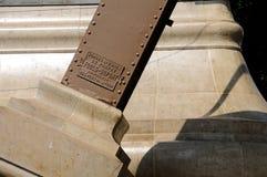 torn för leverantör för stål för Du Pont eiffel faktumfould Fotografering för Bildbyråer