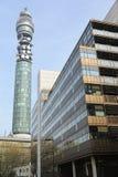 torn för telecom för stolpe för akabt-kontor Arkivbild