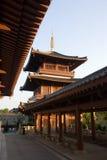 torn för tempel för porslinpagoda s Royaltyfri Fotografi