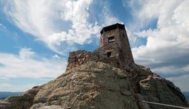 Torn för utkik för Harney maximumbrand i Custer State Park i Blacket Hills av South Dakota royaltyfria bilder