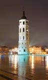 Torn för Vilnius domkyrkaklocka. Litauen Europa. fotografering för bildbyråer