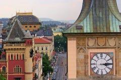 torn för klockaprague rooftops Arkivbilder