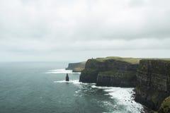Torn i klipporna av Moher fotografering för bildbyråer