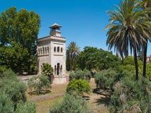 Torn i olivgrönträdgården, Seville Royaltyfri Bild