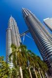 torn kopplar samman royaltyfria bilder