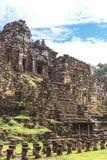 Torn och gallerier i Angkor Thom, Baphuon tempel fotografering för bildbyråer