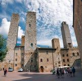 Torn och gamla slottar på San Gimignano Royaltyfri Fotografi