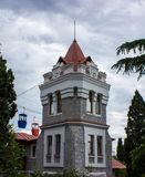 Torn- och kabelbil crimea yalta royaltyfri bild