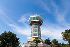 Torn och klara himlar Royaltyfri Foto
