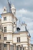 Torn på gatan Rue de L'Espine i Angers, Frankrike Fotografering för Bildbyråer