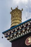 Torn på Vihara av Namdroling den buddistiska kloster, Coorg Indien Arkivbild