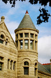 Torn på stenbyggnad på Indiana University Arkivbilder