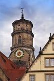 Torn Stiftskirche för kyrklig klocka i Stuttgart i Tyskland Royaltyfri Fotografi
