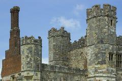 Torn, turretts och lampglas på det forntida fördärvar av det 13th århundradet Tudor Abbey på Titchfield, Fareham i Hampshire Engl arkivfoto