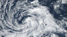 Tornado de la tormenta del huracán, visión por satélite Algunos elementos de este vídeo equipado por la NASA metrajes