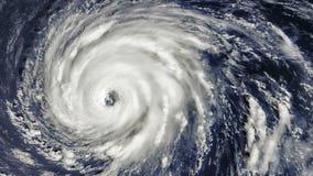 Tornado de la tormenta del huracán, visión por satélite Algunos elementos de este vídeo equipado por la NASA almacen de video