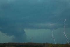 Tornado mit Blitz Lizenzfreie Stockbilder