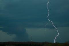 Tornado mit Blitz Stockbild
