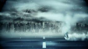 Tornado que sopla sobre el camino durante tormenta stock de ilustración