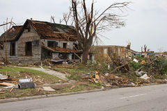 Tornado schädigendes Haus Joplin MO Stockfoto