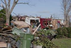 Tornado-Schaden des Ziegelstein-Hauses stockfotos