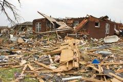 Tornado schädigendes Haus Joplin MO Stockfotos