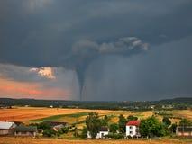 Tornado sulla campagna Immagini Stock Libere da Diritti