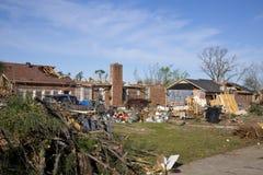 Tornadopfad der Zerstörung stockfoto
