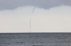 Tornados über dem Meer Lizenzfreies Stockfoto