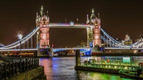 Tornbro av London britain Royaltyfri Fotografi