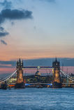 Tornbro i London på solnedgången Arkivbilder