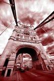 Tornbro i marsalafärg fotografering för bildbyråer