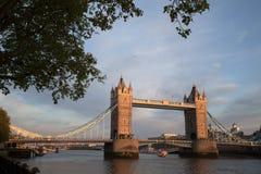Tornbro London på en vårafton Arkivbild