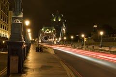 Tornbro London Storbritannien på natten Royaltyfria Bilder