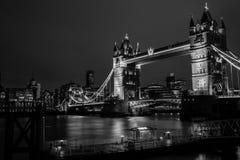 Tornbro på natten Fotografering för Bildbyråer