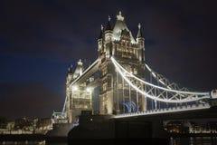 Tornbro på natten, London Arkivfoto