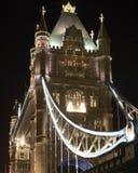 Tornbro på natten. London. England Royaltyfri Foto