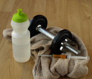 Torne mais pesado o treinamento com esteróides fotografia de stock