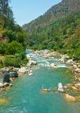 Torneado del río de la montaña Fotografía de archivo