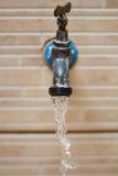 Torneira com água de fluxo Imagem de Stock