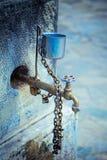 Torneira de água velha imagem de stock royalty free