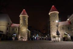 Tornen för huvudsaklig ingång av Tallinn den gamla staden Arkivbilder