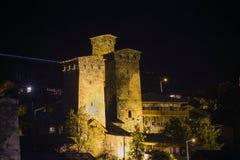 Tornen i den Svaneti natten Arkivfoton