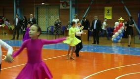 Torneo del baile del salón de baile de los niños, samba de la danza almacen de video