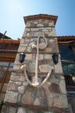 Tornet av det historiska museet på stranden i den gamla bulgariska staden av Sozopol Royaltyfri Bild
