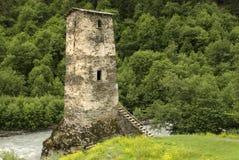 Tornet av förälskelse i Svaneti Arkivfoton