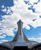 Tornet av Olympicet Stadium i Montreal, Kanada fotografering för bildbyråer